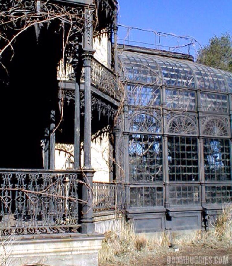 Haunted Mansion Set Conservatory