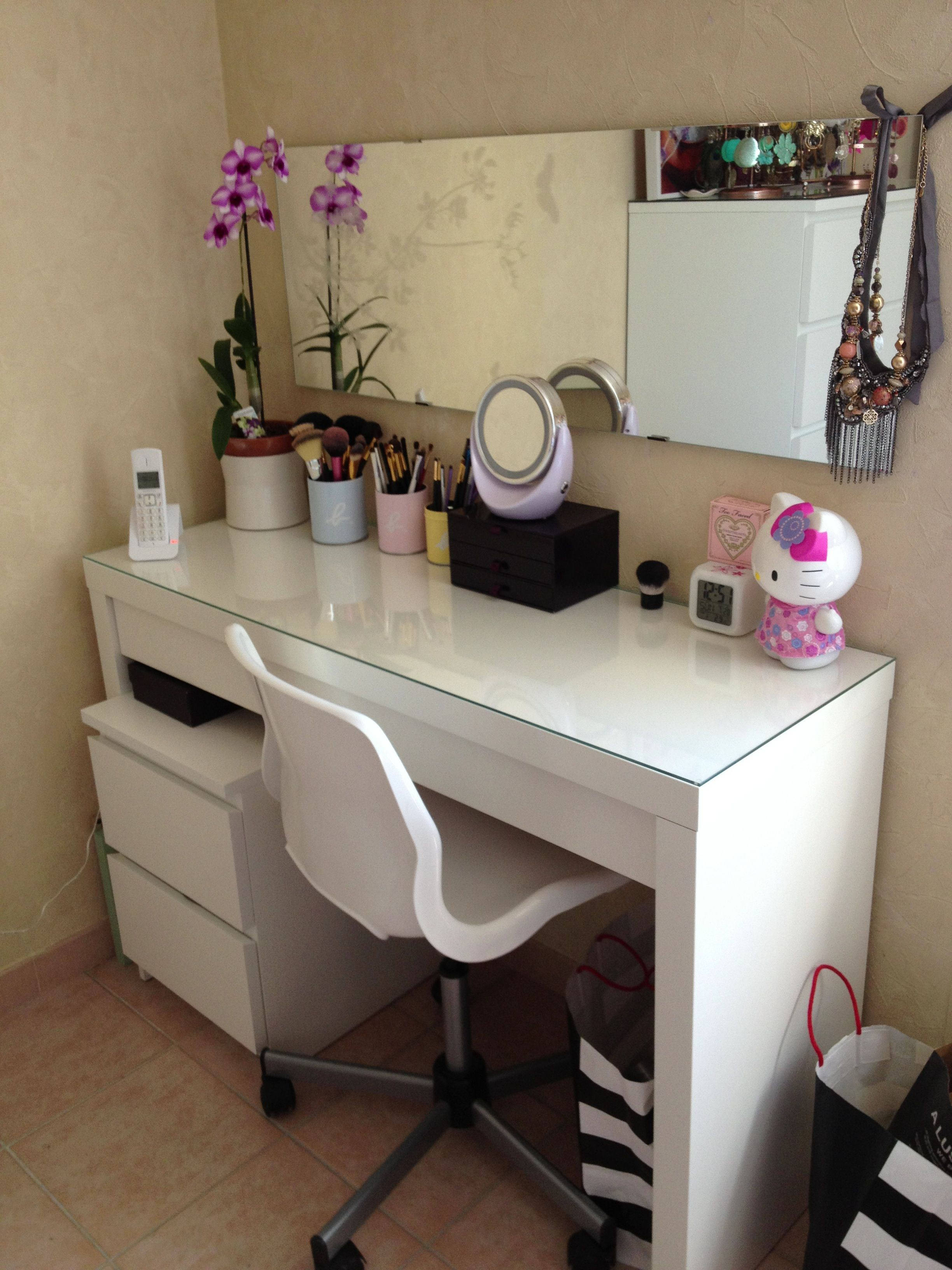 Ikea malm dressing table ikea antonius basket inserts makeup storage - Coiffeuse Moderne Coiffeuse Pinterest