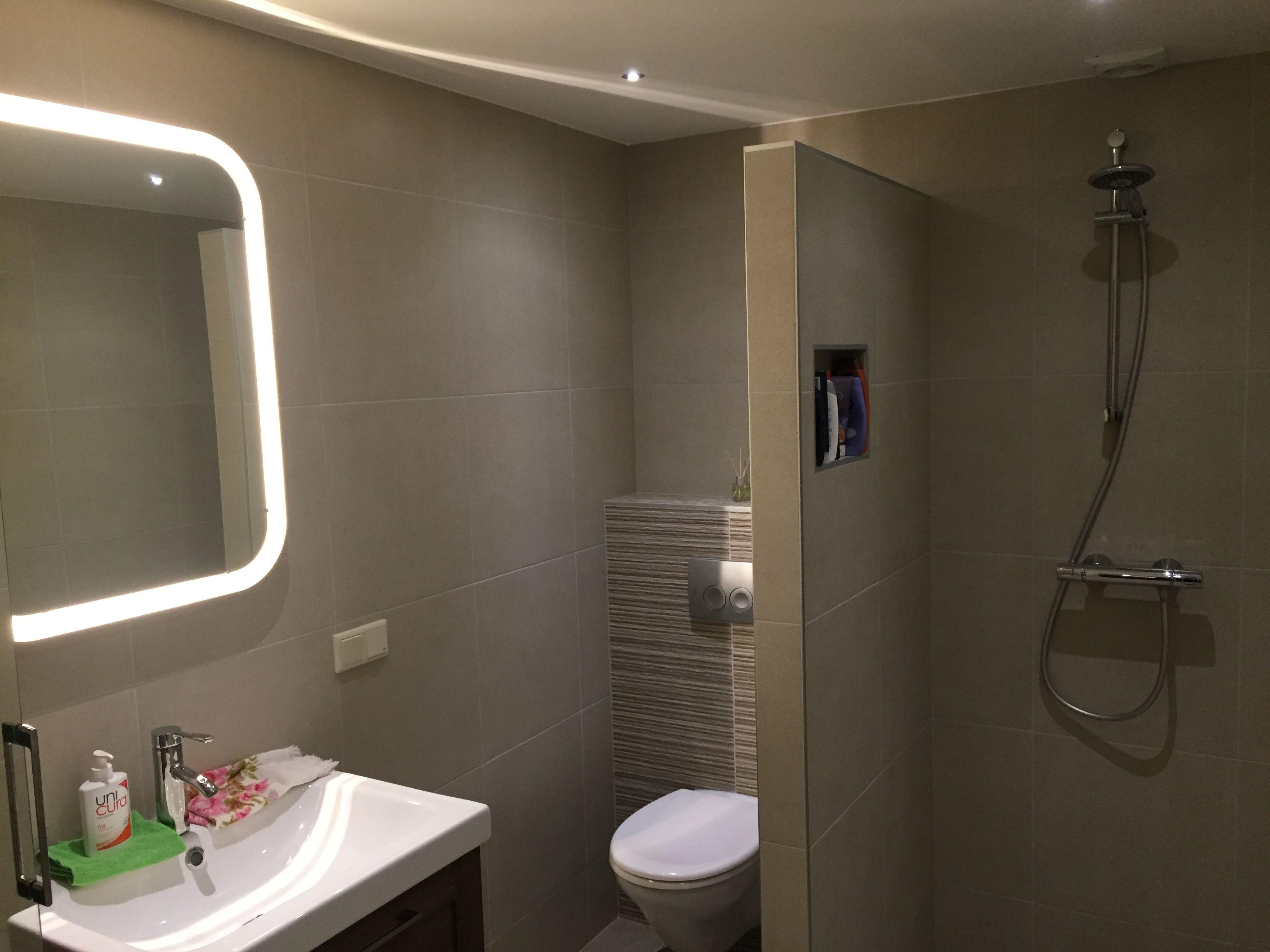 Badkamer opgeleverd...   TvG Elektrotechniek   Pinterest