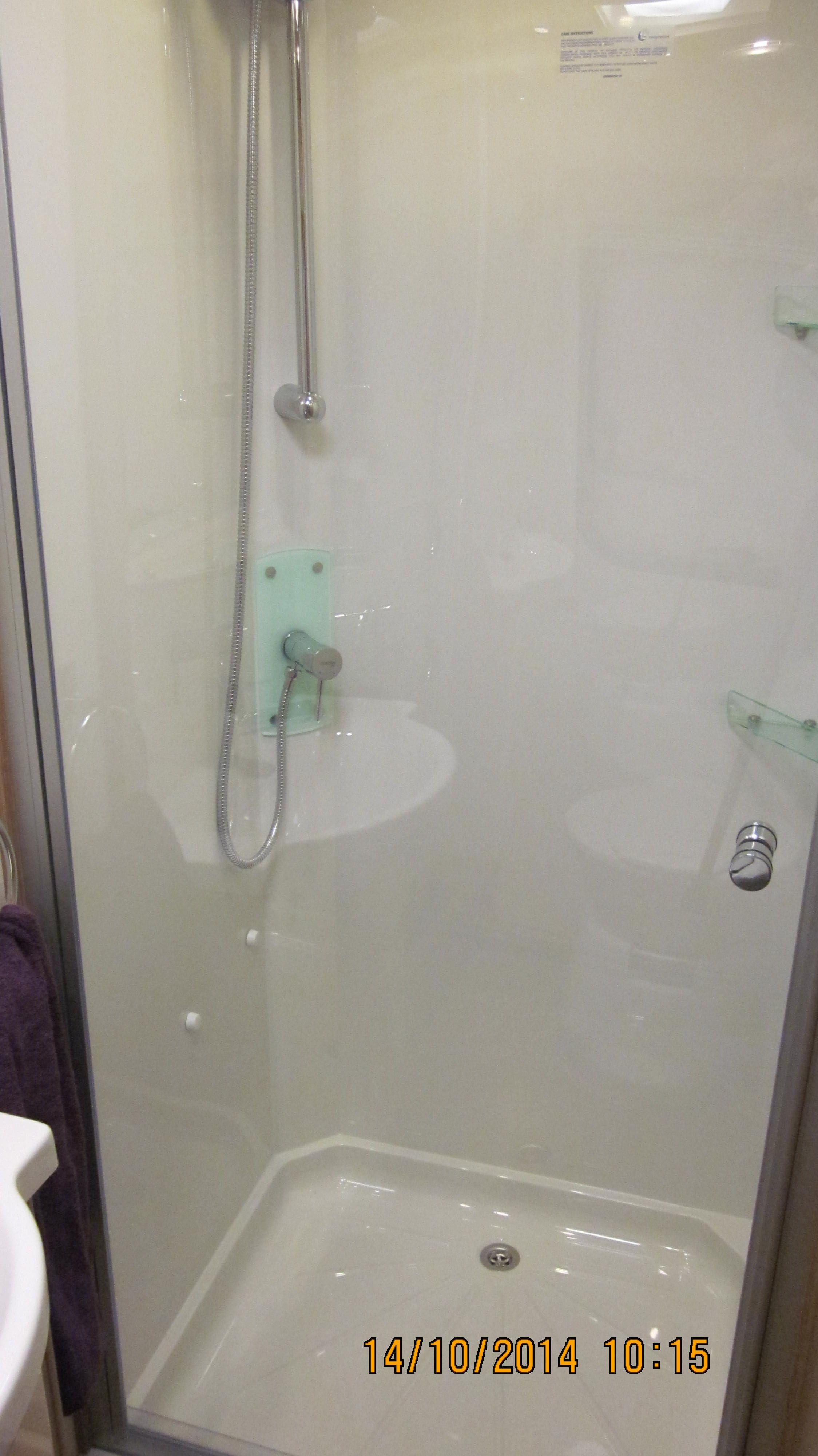 Lunar Delta RS large shower cubicle.   Motorhome & Caravan Show ...