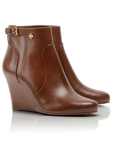 leather wedge booties. so perfect for fall! #toryburch