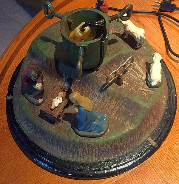 UNIQUE VINTAGE GERMAN MUSICAL, ROTATING CHRISTMAS TREE STAND - UNIQUE VINTAGE GERMAN MUSICAL, ROTATING CHRISTMAS TREE STAND
