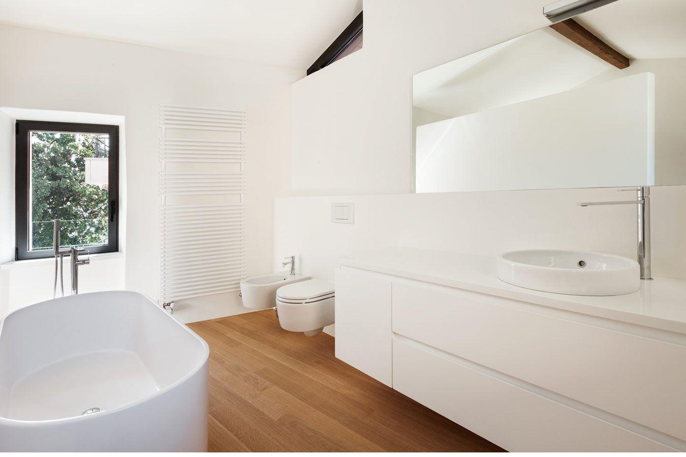 Hedendaags Wit tijdloos badkamermeubel met houten vloer | Badkamer laminaat AI-46