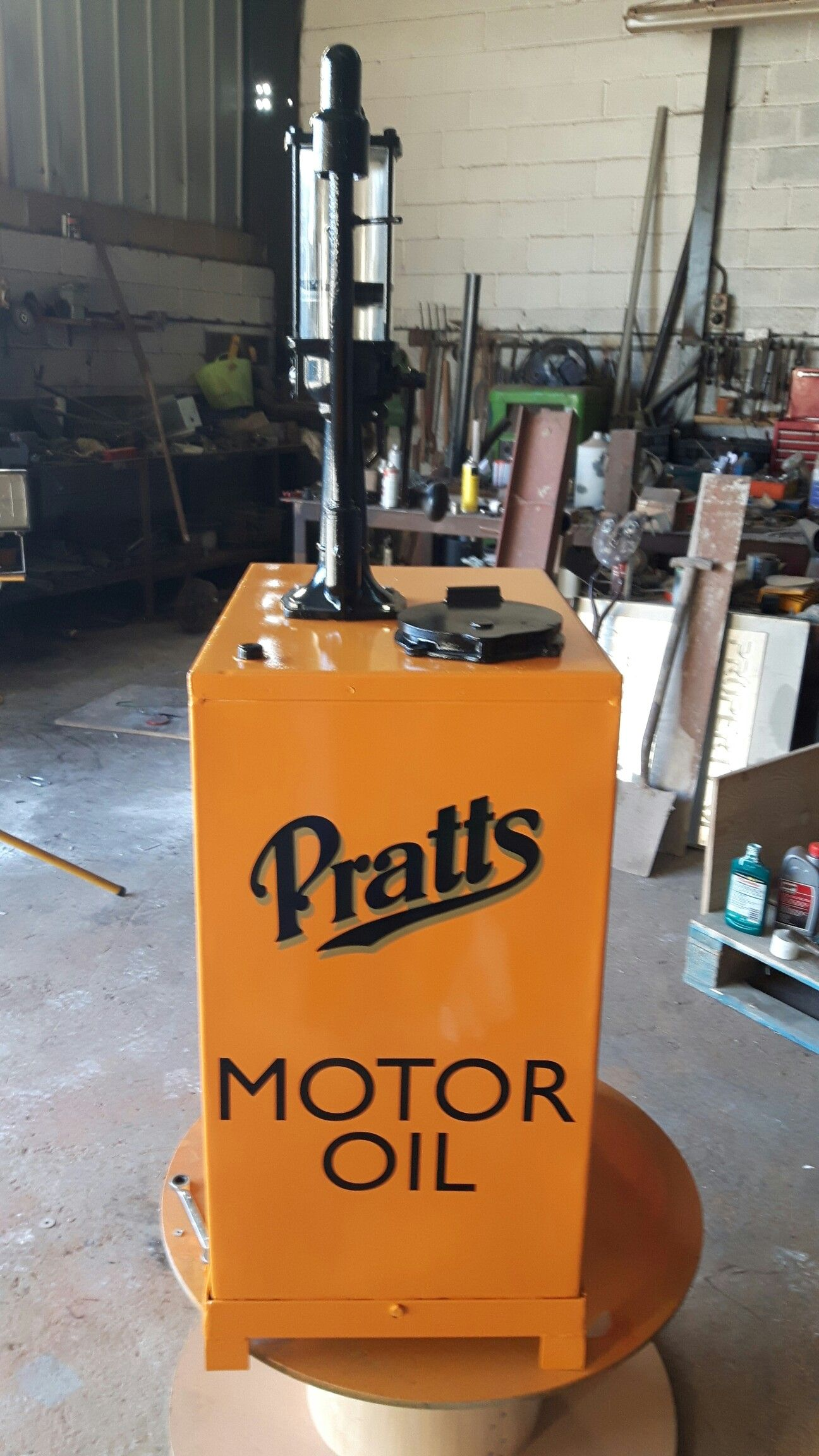 pratts motor oil dispenser fill 39 er up pinterest gas