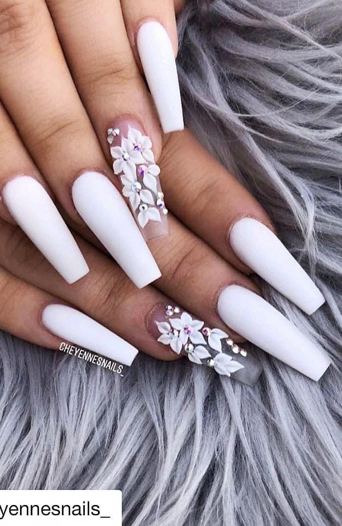 How To Choose Your Fake Nails In 2020 With Images White Acrylic Nails Long Acrylic Nails Acrylic Nail Designs