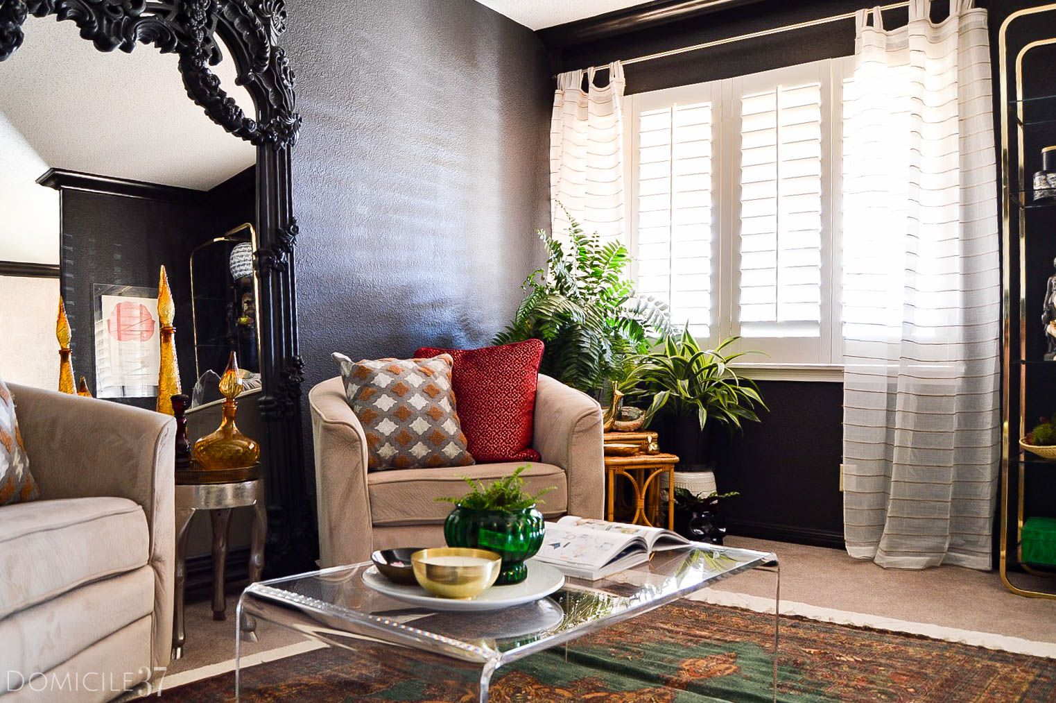 Vintage Eclectic Foyer And Sitting Room Reveal Domicile 37 Decor Home Living Room Eclectic Living Room Vintage Apartment Decorating On A Budget #vintage #eclectic #living #room