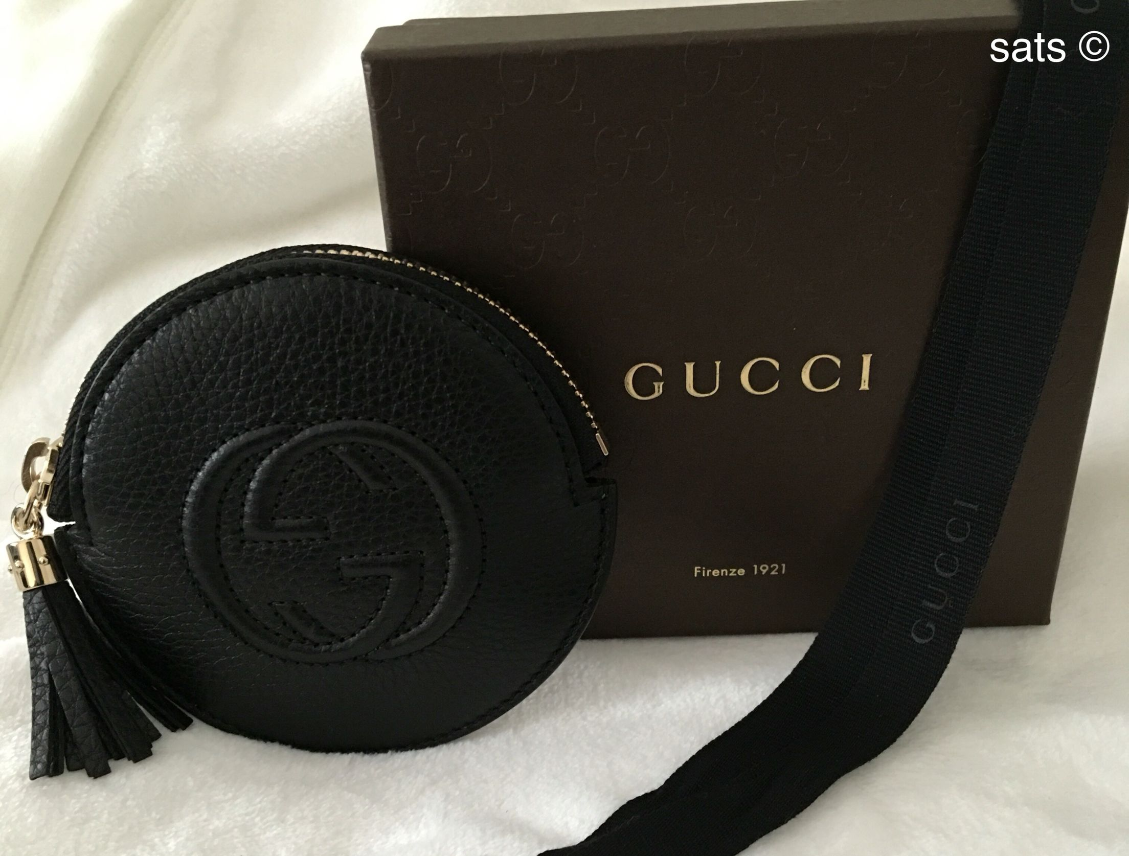 0682df1c391 Gucci leather soho coin purse -perfect for headphones too ...