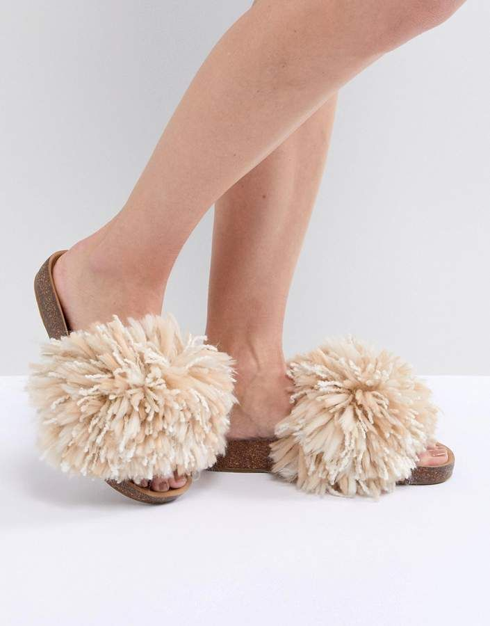 uggs fluffy sandals nz