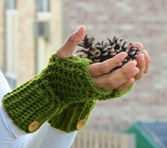 Fingerless crocheted gloves - so cozy! | Croche | Pinterest ...