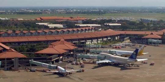 Daftar 367 Nama Bandara Internasional dan Domestik di ...