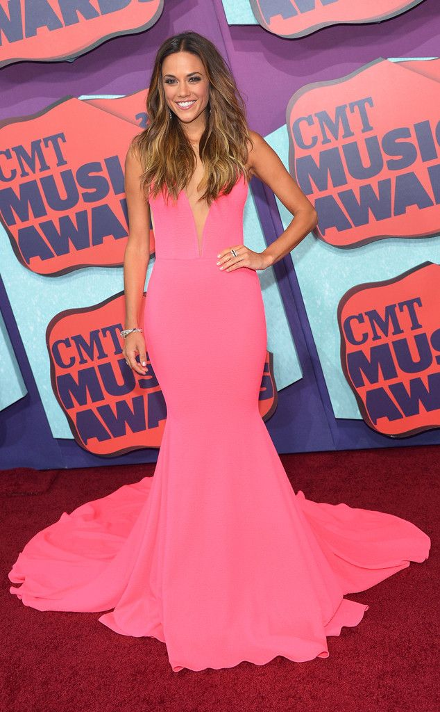 Carrie Underwood & Miranda Lambert from CMT Music Awards 2014: Red ...