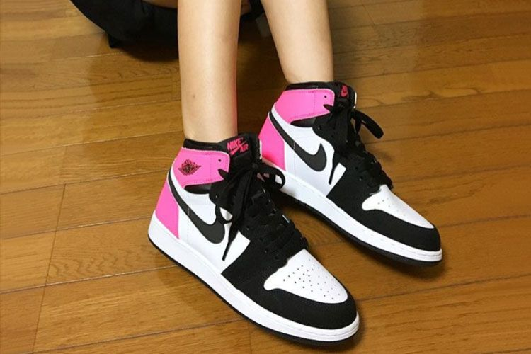 pretty nice 0d47d 36d57 Air Jordan 1 GS OG High Valentines Day Women's Basketball ...