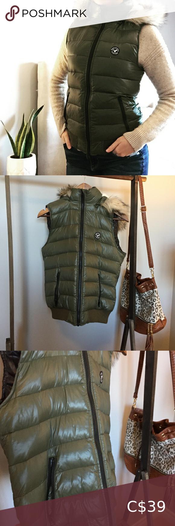 American Eagle Puffer Vest