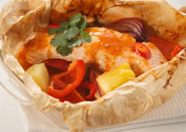 Sweet and Sour Salmon Parcels #BlueDragon #BlueDragonCanada #EastMadeEasy #Recipes