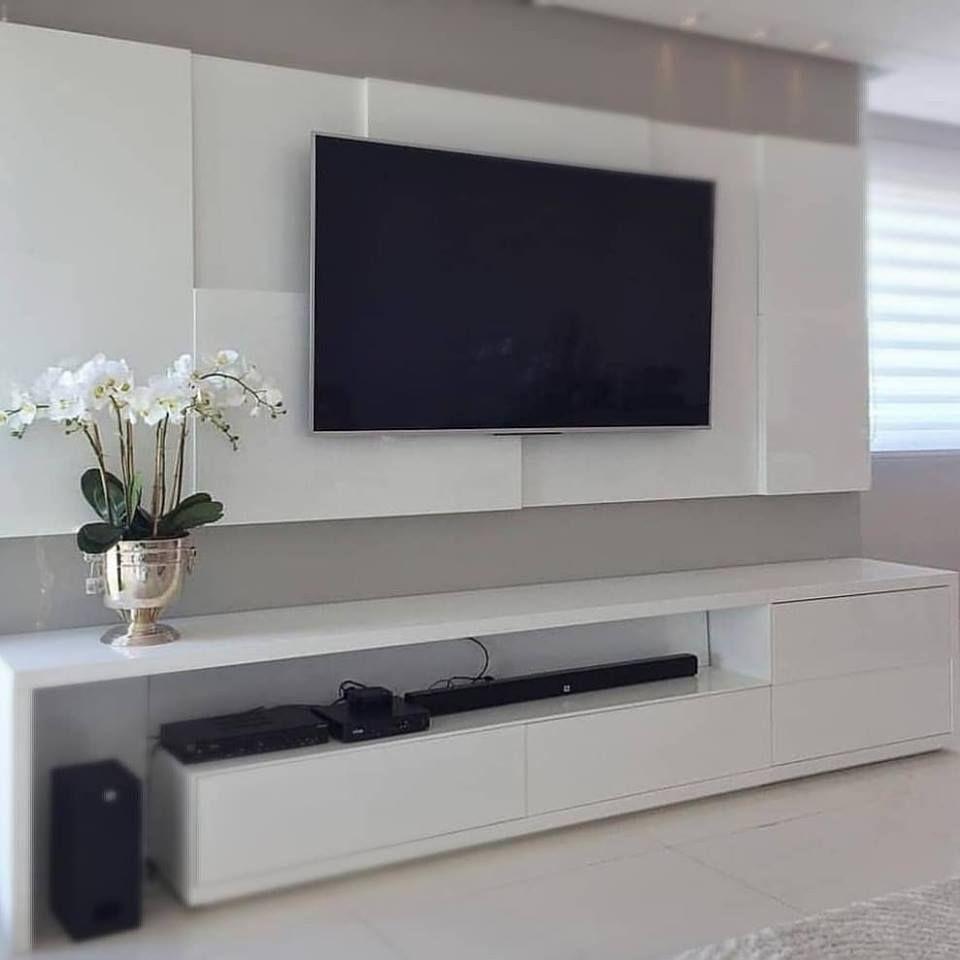 Mueble Blanco Pintado En Poliuretano De Taller De Carpinteria Nuevo Milenio Moderno Aglomerado Homify Salas De Estar De Tv Sala De Estar Minimalista Decoracion De Sala De Tv