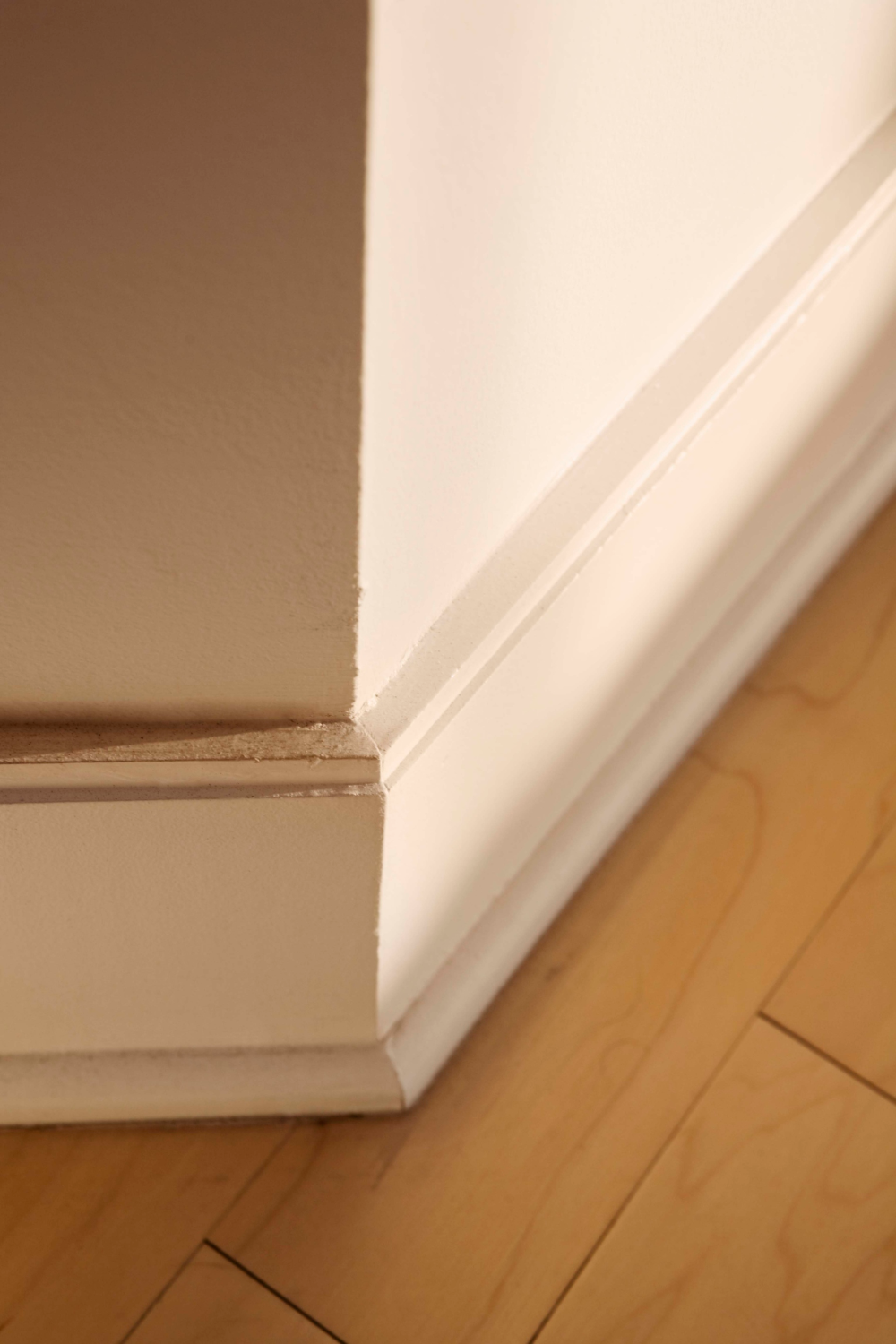 How To Remove Glue From Baseboards In 2020 Removing Baseboards Baseboards Baseboard Trim