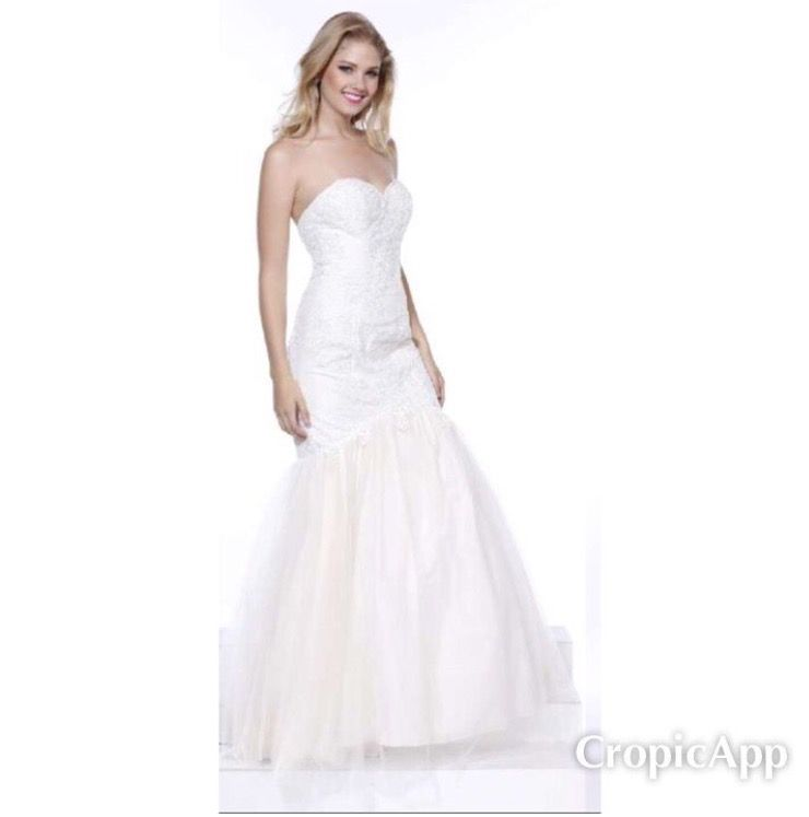 We have some STUNNING Bridal Gowns in stock at DISCOUNTED Prices ...