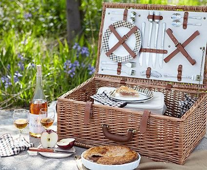 True picnic romance.