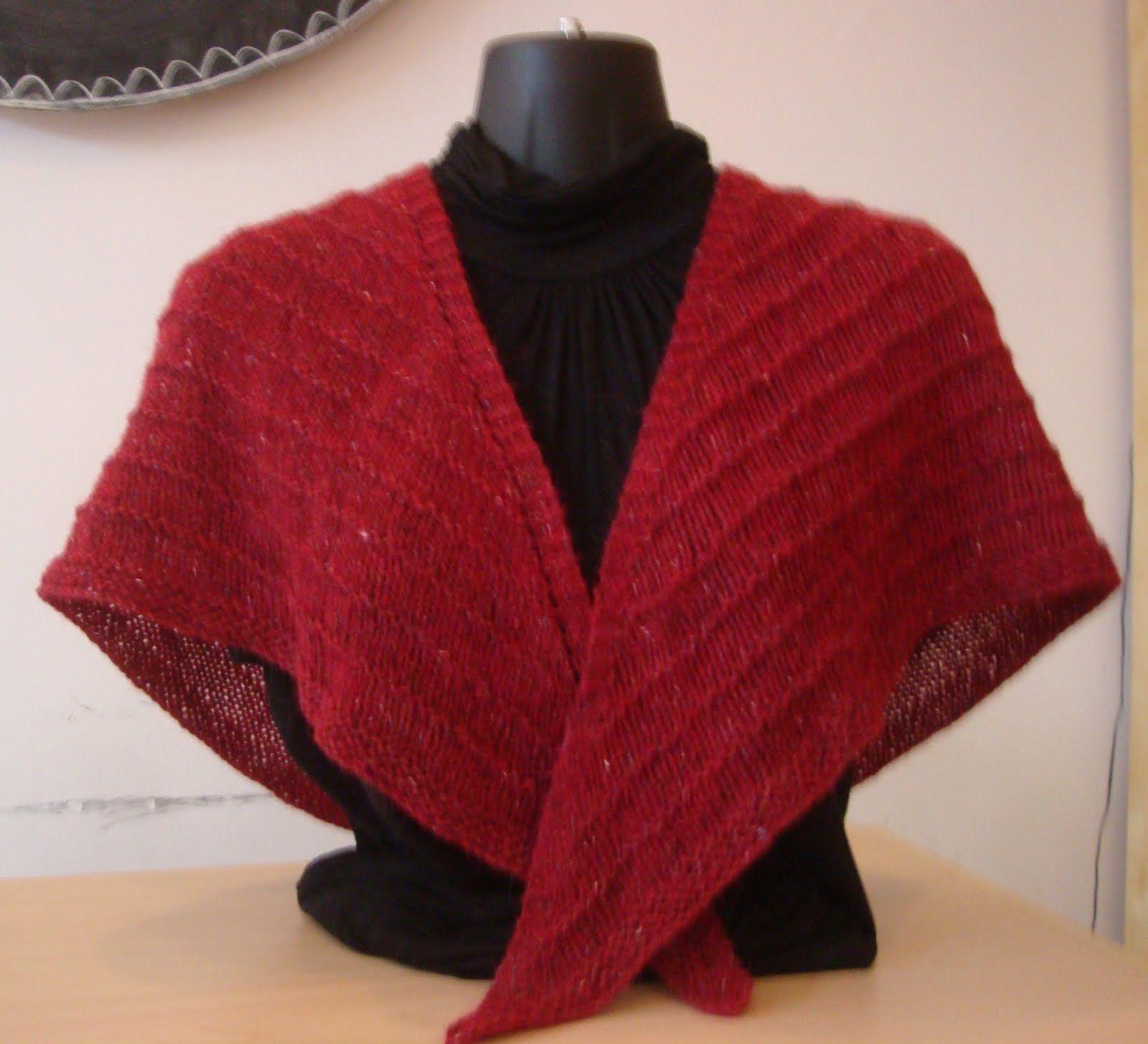 Freeknittingpatterntriangleshawl free knit shawl patterns wise hilda knits free pattern basic triangle shawl non lacy very easy crochet bankloansurffo Choice Image