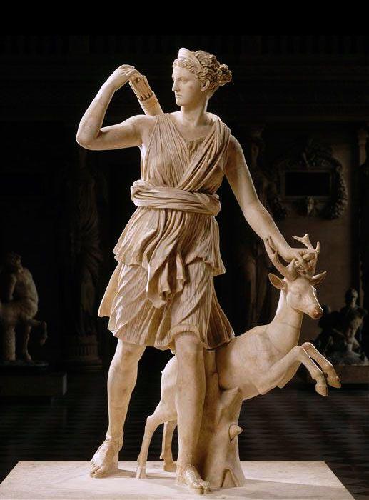 Artémis de Versailles, Diane chasseresse accompagnée d'une ...