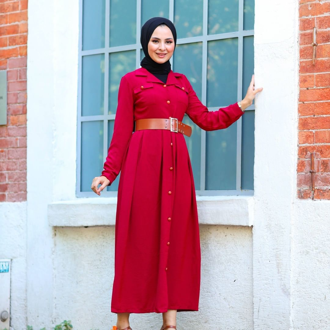 1 512 Likes 15 Comments Elizamoda Tesettur Giyim Elizamoda On Instagram Eliza Da Iki Farkli Kampanya 75 In 2020 Fashion High Waisted Skirt High Waisted