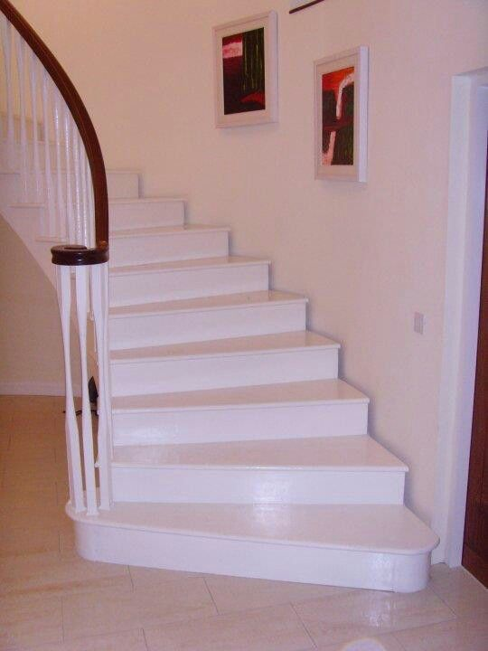 Shadow Gap Staircase Lighting: The 1st Curved Staircase That I Built. It Was Difficult To