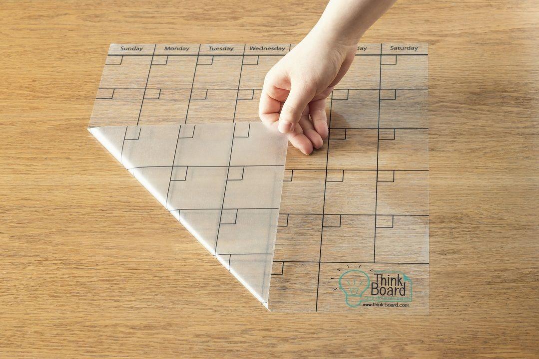 シールのように貼るカレンダーやホワイトボードがあれば どこでも予定