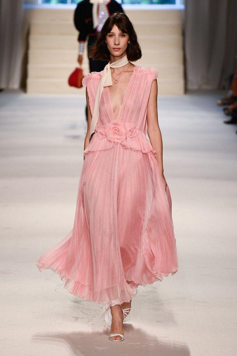 Philosophy Di Lorenzo Serafini Spring 2020 Ready To Wear Fashion Show Fashion Runway Fashion Couture Fashion Show