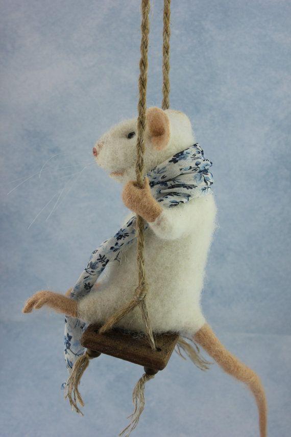 Schwingende Nadel Gefilzte Maus Weisse Maus Maus Weiche Skulptur Filz Nadel Gefilzt Tier Niedlich Eco Spielzeug Kunst Puppe Felt Mouse Needle Felting Soft Sculpture