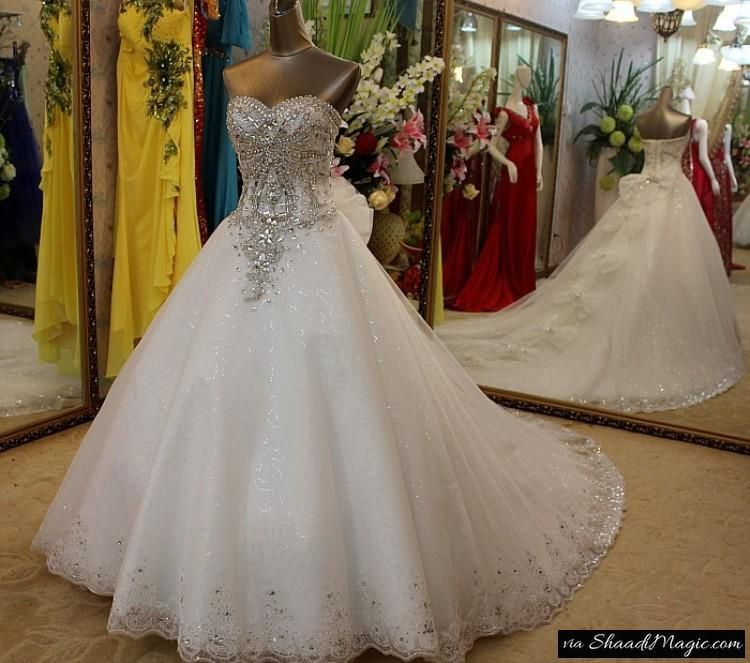 Diamond Wedding Gown The Entire World Eyes Pops Out To This 150 Carat Diamond Studded Expensive Wedding Dress Wedding Dress Train Most Expensive Wedding Dress