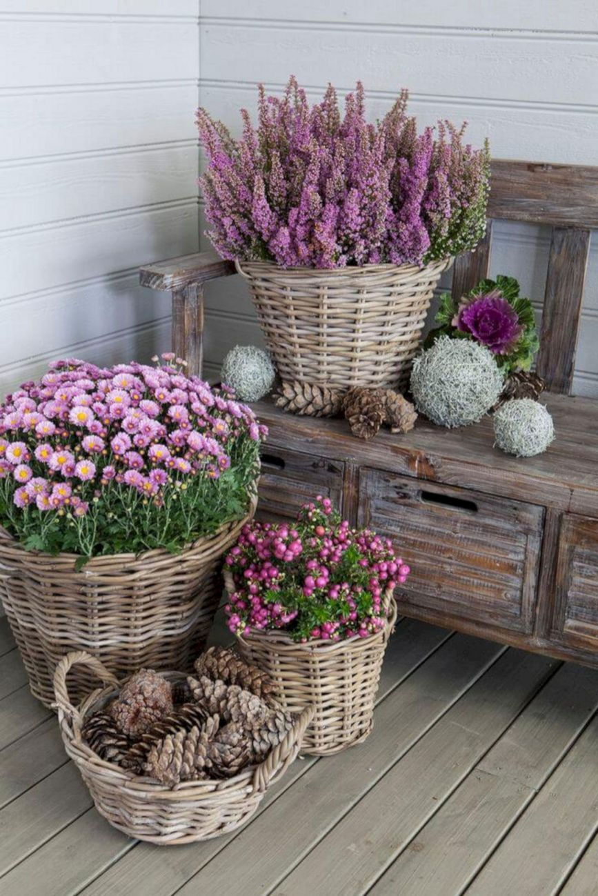10 Amazing Creative Gardens Containers Ideas For Beautiful Small Spaces #herbstdekoeingangsbereichdraussen