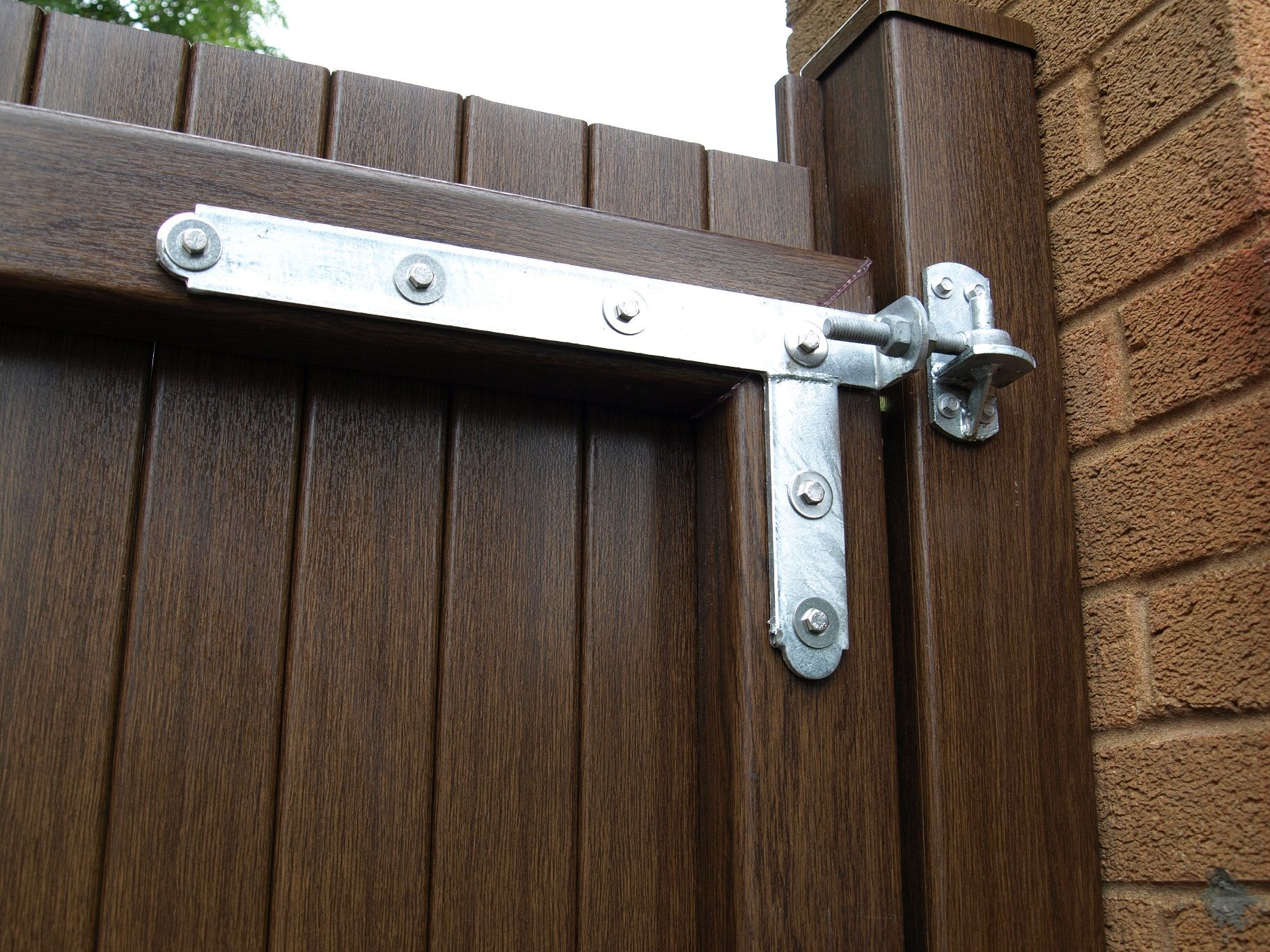 Fensys Upvc Plastic Gate System Heavy Duty Braced Galvanised Hinge