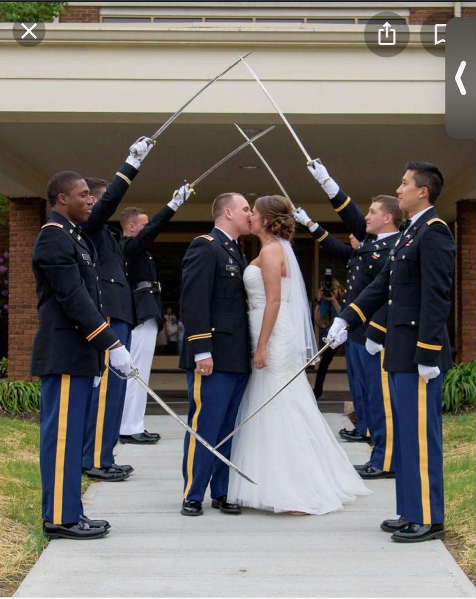 Military Wedding In 2021 Military Wedding Military Wedding Army Army Wedding [ 1200 x 954 Pixel ]