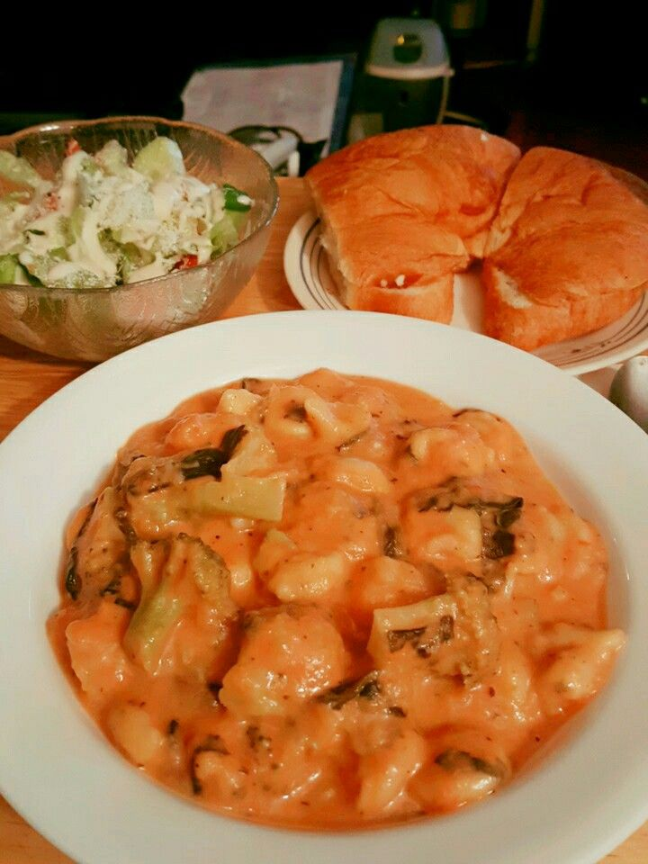 Tortellini Stoup, Salad and Croissant.