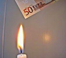 Non fare andare i tuoi soldi in fumo, risparmia! http://faresoldirisparmiando.blogspot.it/2014/12/non-far-andare-i-tuoi-soldi-in-fumo.html