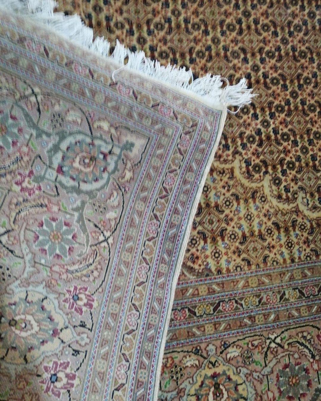 Machine Made Carpet Whoolen From Belgium Size 8 11 Dm For Price Details Pakistan Karachi Carpets Carpetlovers Rugs Handmaderugs Arearugs Customrugs Viscose rugs made in belgium