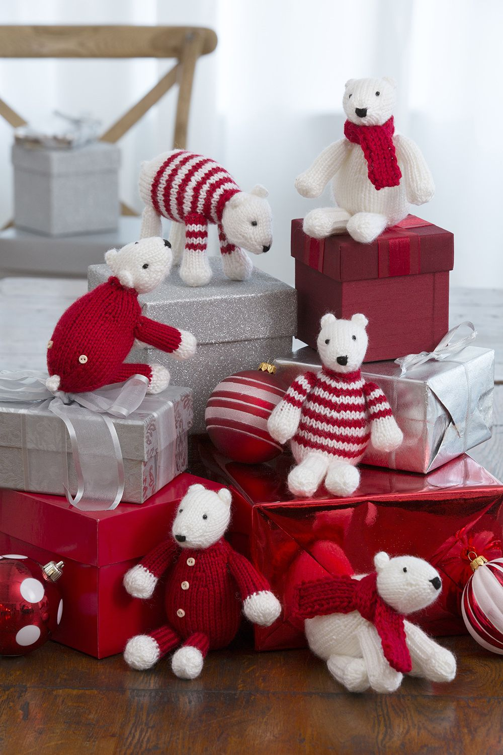 Polar Bear Ornaments - Free knitting patterns - how to knit a ...
