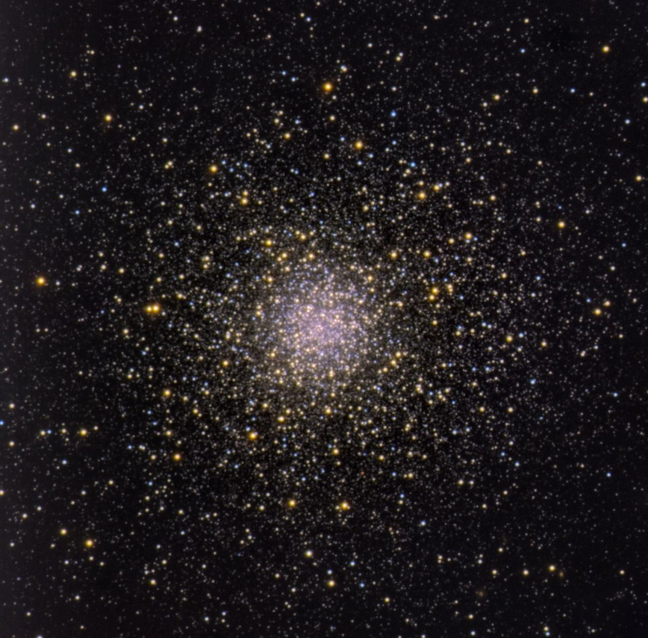 """the-telescope-times: """"  Solved: One of the mysteries of globular clusters A study shows that the most massive stars in the last stages of their lives are those which contaminate the interstellar medium with new chemical elements, giving rise to..."""