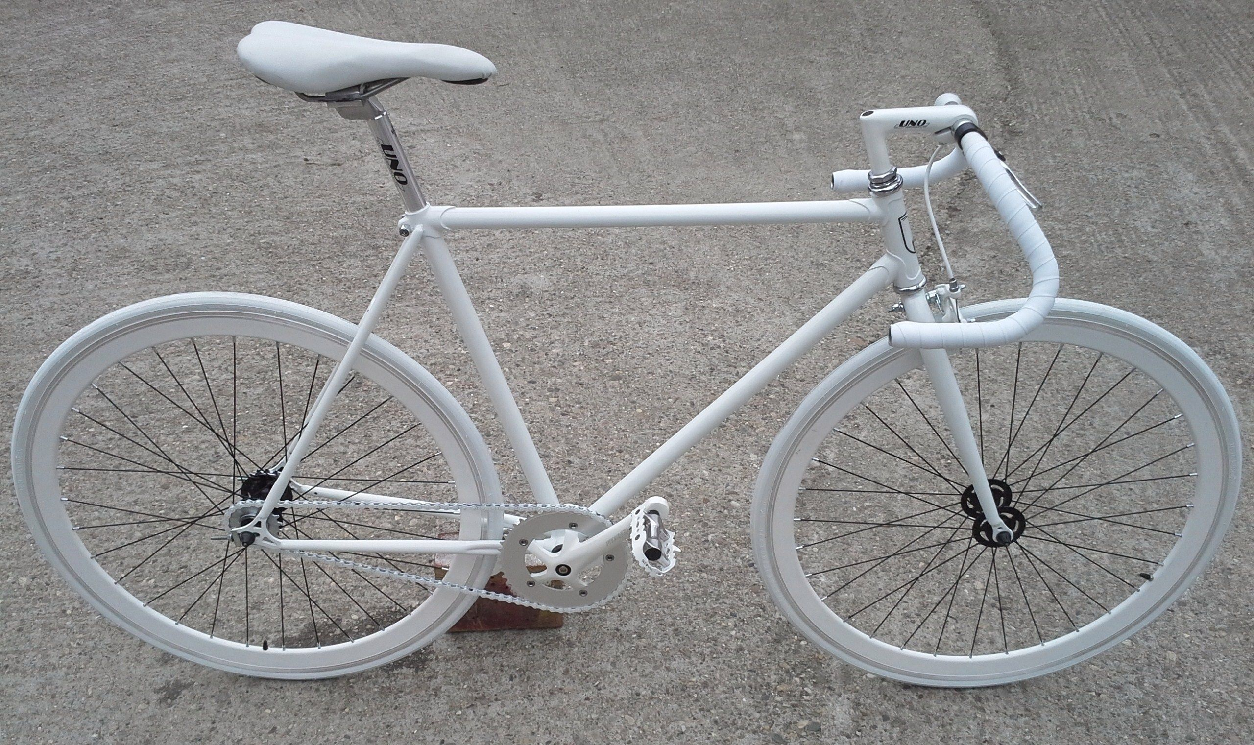 All White Fixie Pista Bicycles We Redesign