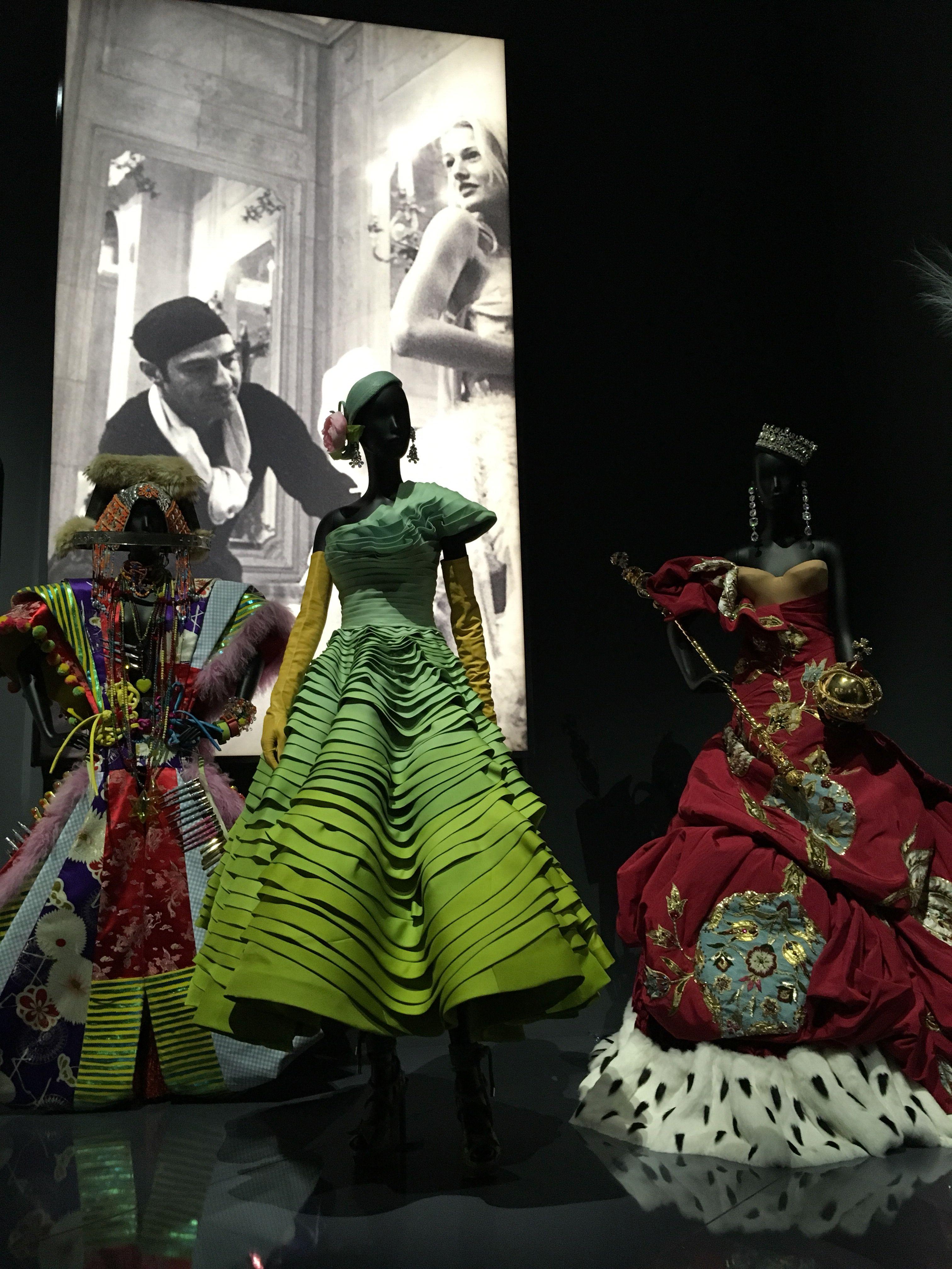 Christian Dior  Christian dior couture, Modestil, Brautmode