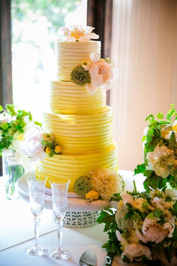 Spring Wedding at Magnolia Plantation by Dana Cubbage | Wedding cake ...