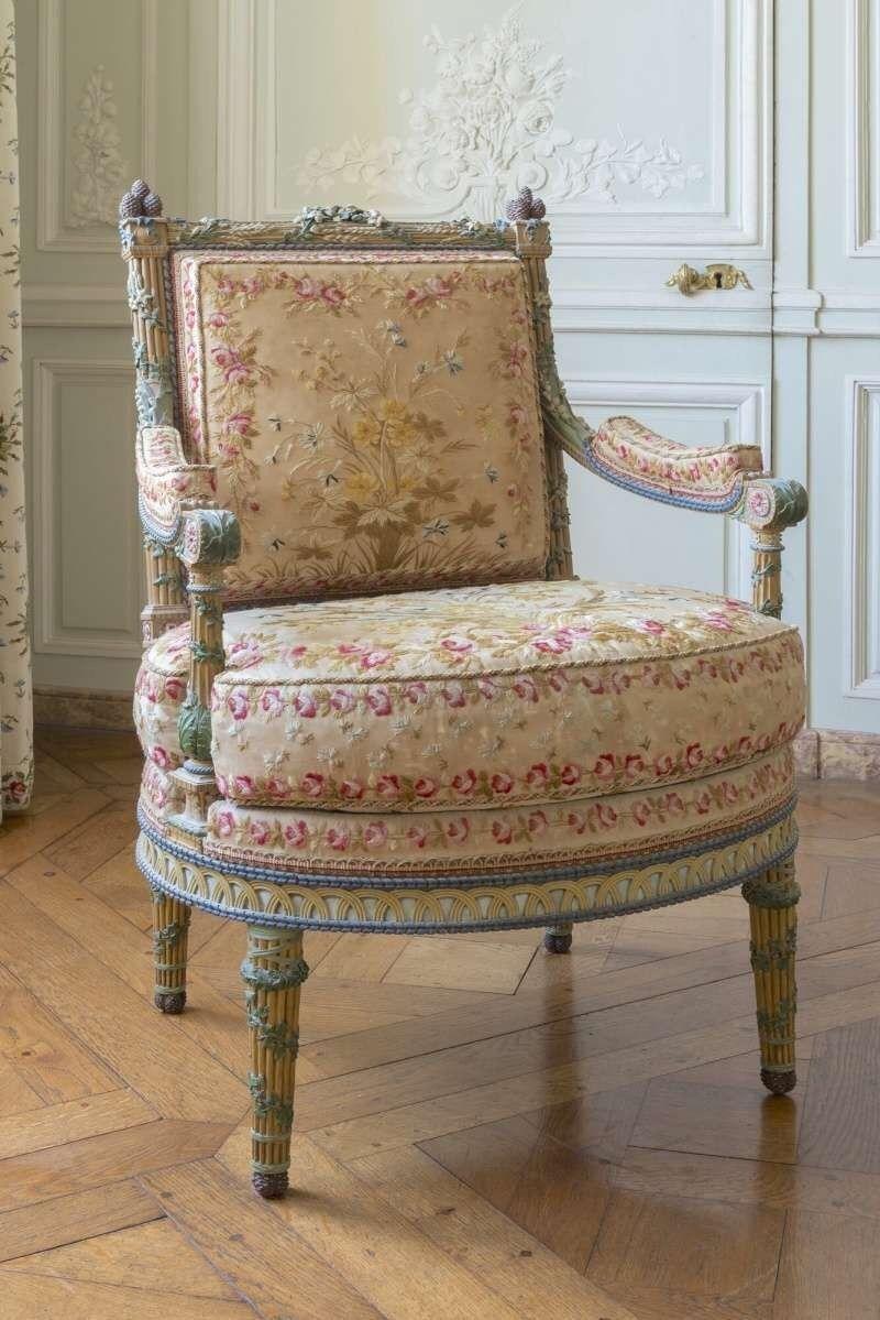 Grand Estates 101 Petit Trianon Queen S Bedchamber