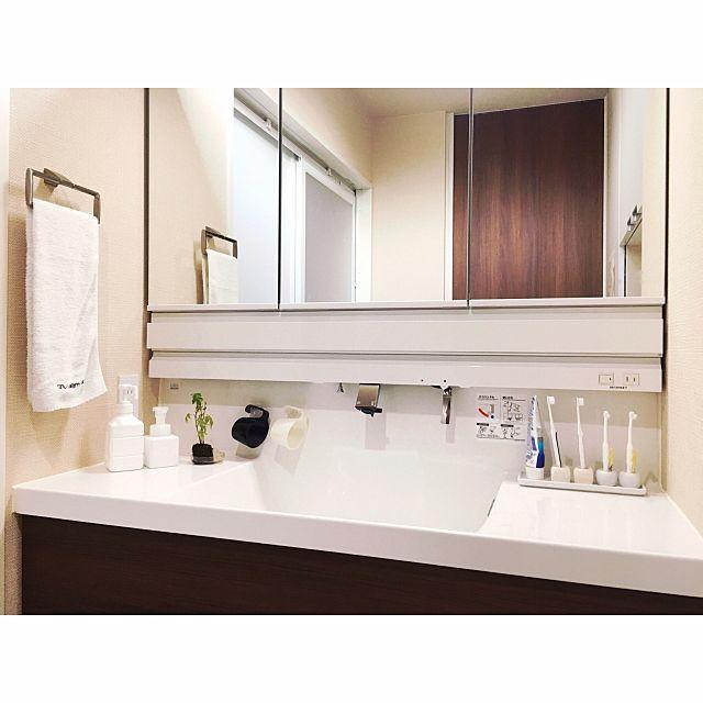 バス トイレ 掃除が楽 水滴が残らない コップ リクシルの洗面台 などのインテリア実例 2017 07 20 06 40 40 Roomclip ルームクリップ 洗面台 インテリア 収納 アイデア