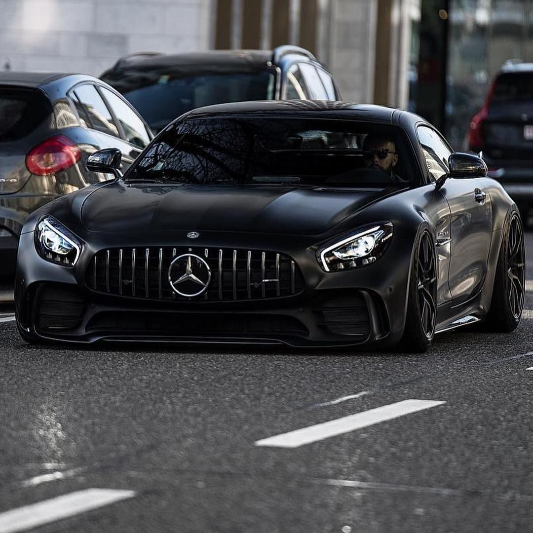 Matte Black 2018 Mercedes-AMG GT R Coupé With 4.0-liter V8