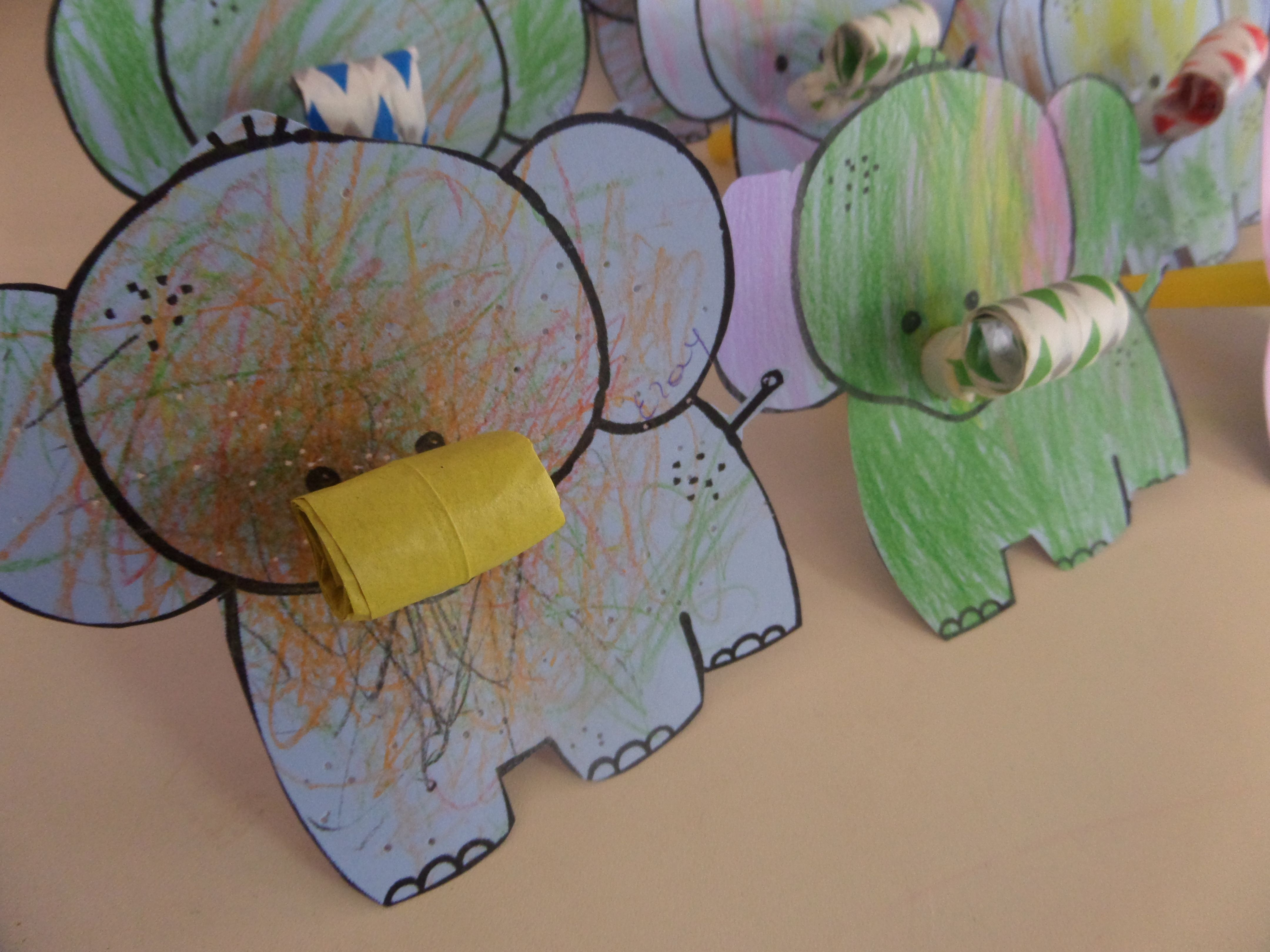 Mijn Toeter Olifantjes Kan Met Alle Dieren Bv Boek De Dansende Tam Tam Een Nijlpaard Olifant Knutselen Dierentuin Knutselen Dieren Knutselen