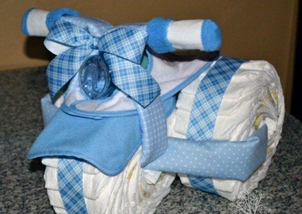 windeltorte basteln suchen sie nach einem babygeschenk windeltorte basteln basteln. Black Bedroom Furniture Sets. Home Design Ideas