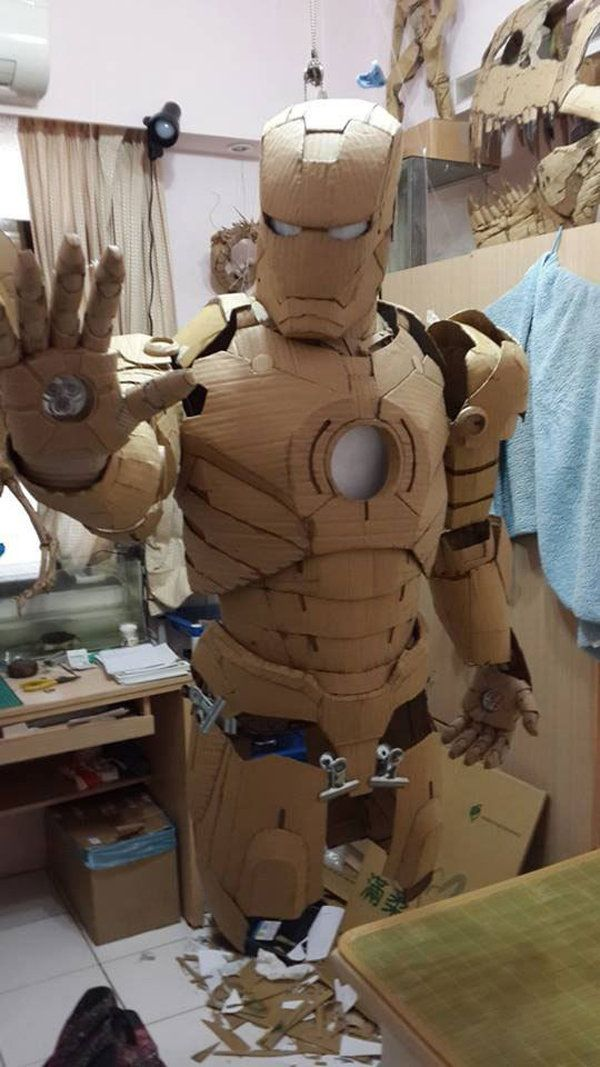 Iron Man Cardboard : cardboard, Student, Makes, Costume, Entirely, Cardboard, Suit,, Ironman, Costume,