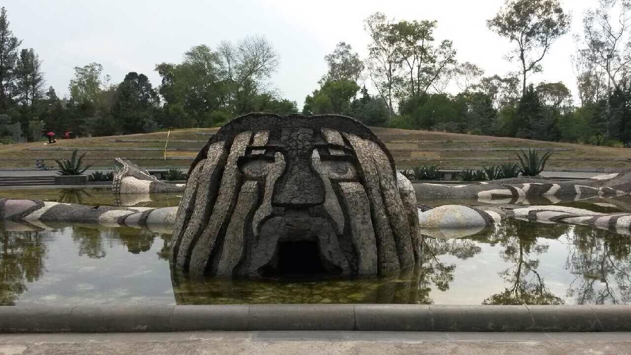 Dios Tlaloc Carcamo De Dolores Chapultepec Mayan Calendar Lion Sculpture Natural Landmarks