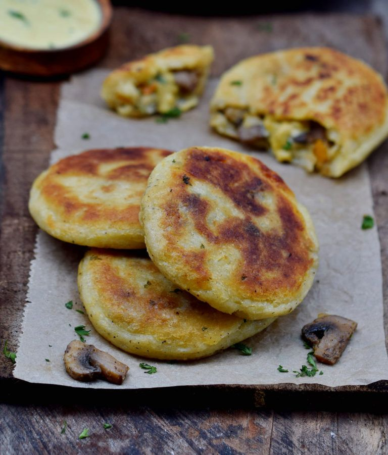 These stuffed potato cakes are a great comfort food and perfect for lunch  or dinner. The recipe is vegan… | Potato cakes, Vegetarian vegan recipes,  Vegan meal plans