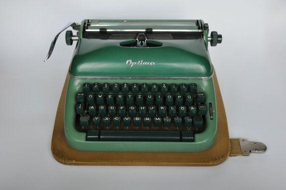 Machine à écrire Vintage Optima allemand de par BerlinerStrasse, $250.00